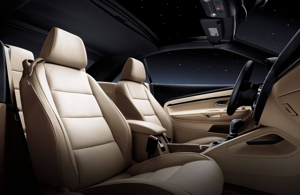 Capilano VW 2015 Volkswagen Eos Interior