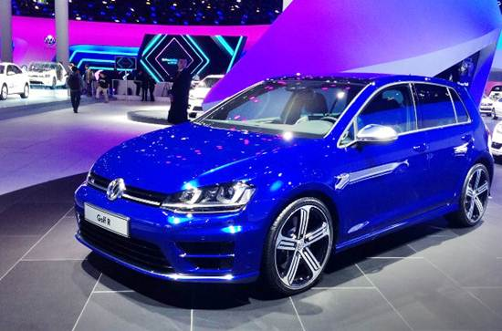 2016 Golf R at Canadian Auto Show