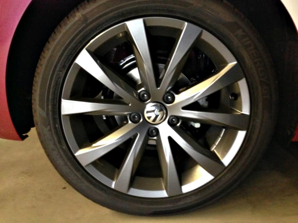 "18"" Ravenna Alloy Wheels with Adamantium Finish (Dark Grey)"